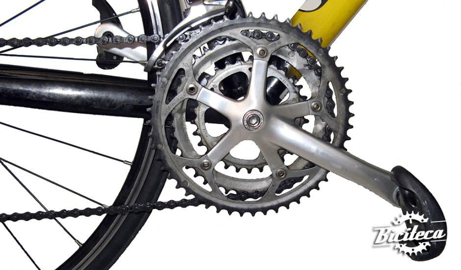 Pédalier de vélo de route